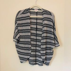 Mossimo Small Black Batwing Cardigan Aztec F19